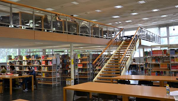 Bibliothèques universitaires et documentation